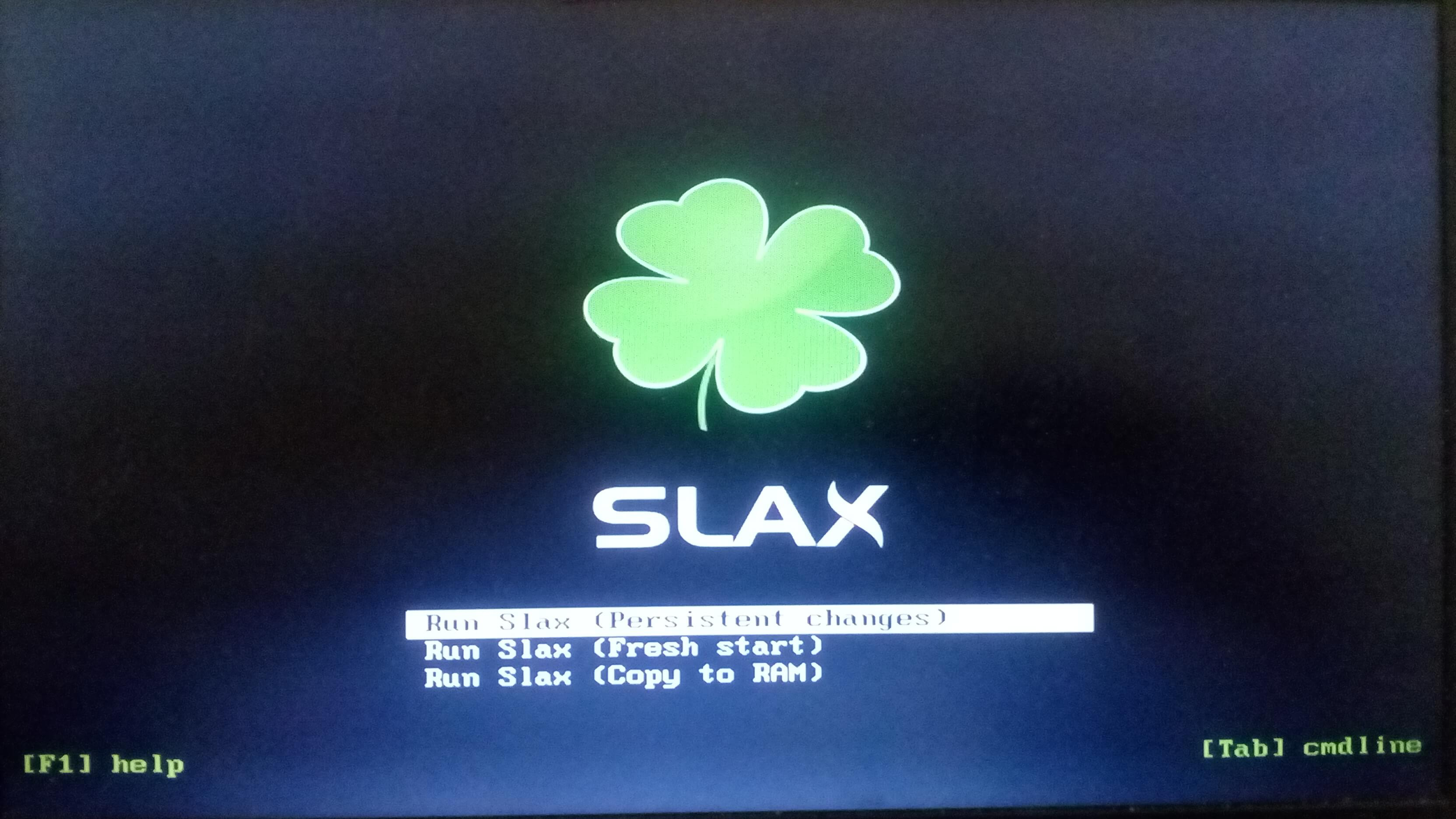 Slax is a Nifty Linux Distribution That Works from USB 11